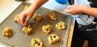 Choc Chip Cookies | becs-table.com.au